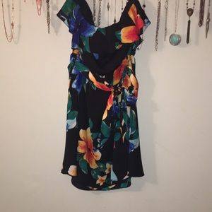 Medium strapless flower dress